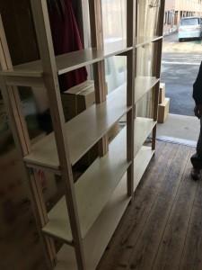 ディスプレイ棚も造っちゃいます。